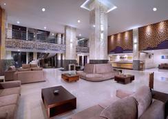 登巴萨圣探索酒店 - 库塔 - 大厅