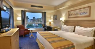 科尔多瓦假日酒店&度假村 - 科尔多瓦 - 睡房