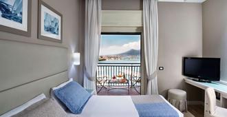 贝斯特韦斯特帕拉迪索酒店 - 那不勒斯 - 睡房