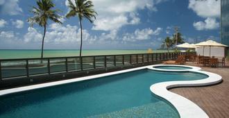 里兹家庭服务套房酒店 - 马塞约 - 游泳池
