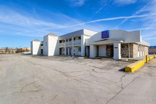 南印第安纳波利斯 6 号汽车旅馆 - 印第安纳波利斯 - 建筑