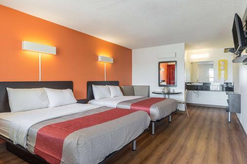 南印第安纳波利斯 6 号汽车旅馆 - 印第安纳波利斯 - 睡房
