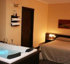 巴罗尼2号公寓酒店