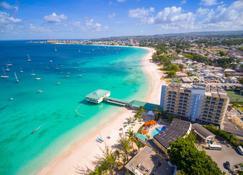巴巴多斯阿卡提卡雷迪森度假酒店 - 布里奇敦 - 海滩