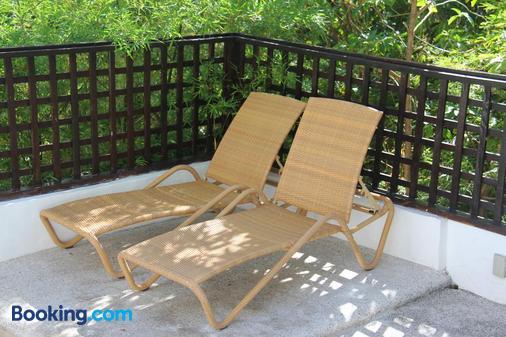 阿南凯拉别墅度假村 - 龟岛 - 阳台