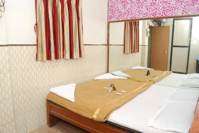 新夏哈纳酒店 - 孟买 - 会议室