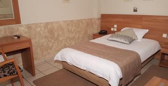 比雷埃夫斯理想酒店 - 比雷埃夫斯 - 睡房