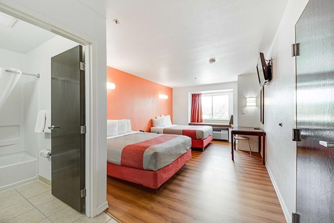 麦卡伦 6 号汽车旅馆 - 麦卡伦 - 睡房