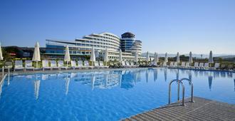 雷默酒店 - 式 - 欧库卡拉 - 游泳池