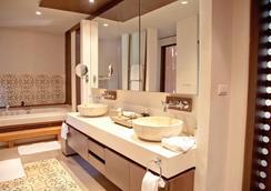 普吉岛斯攀瓦酒店 - 威七 - 浴室