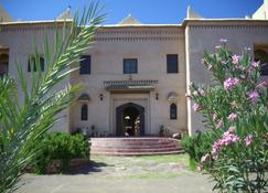 古堡卡斯巴酒店 - 瓦尔扎扎特 - 建筑