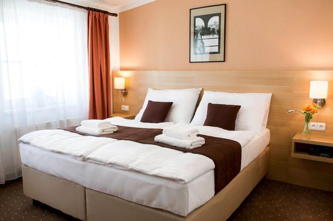 布拉格卡林酒店 - 布拉格 - 睡房