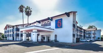 加利福尼亚安大略6号汽车旅馆 - 安大略 - 建筑