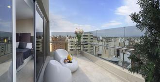 霍华德约翰逊加拿大套房酒店 - 科尔多瓦 - 阳台