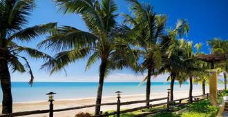 朝拉奥卡巴纳度假酒店 - 尖竹汶 - 海滩