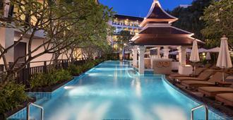 圣塔拉安达得维温泉度假酒店 - 奥南 - 游泳池