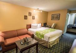 易克诺基西米酒店 - 基西米 - 睡房