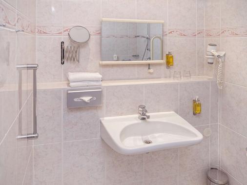 贝斯特韦斯特施洛斯科佩尼克酒店 - 柏林 - 浴室