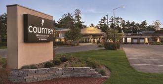 乡村旅馆及特拉弗斯城套房酒店 - 特拉弗斯城