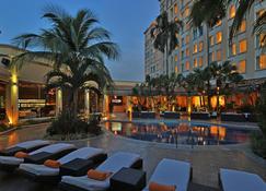 圣佩德罗苏拉皇家洲际酒店 - 圣佩德罗苏拉 - 游泳池