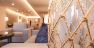 亚速尔群岛海鸥酒店 - 蓬塔德尔加达