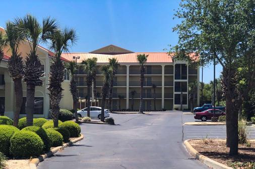 米拉马海滩品质汽车旅馆 - 米拉马海滩 - 建筑