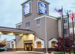 安眠套房酒店-奇克托瓦加水牛城国际机场 - 奇克托瓦加 - 建筑