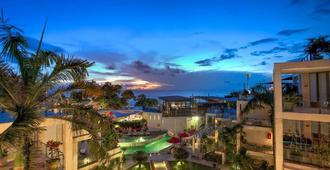 巴厘岛水明漾富丽华海滩酒店 - 库塔 - 户外景观