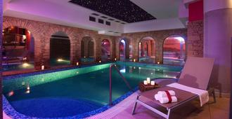 温莎健康酒店 - 什平德莱鲁夫姆林 - 游泳池