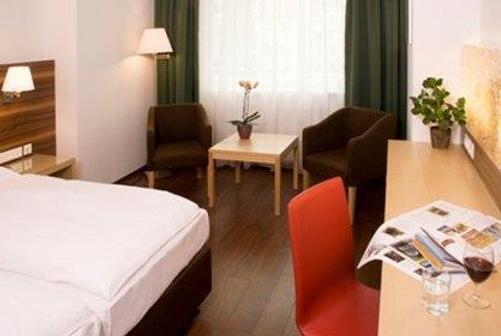 维也纳奔姆泰丽莎奥地利流行酒店 - 维也纳 - 商务中心