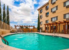 鲍威尔湖贝斯特韦斯特优质酒店 - 佩吉 - 游泳池