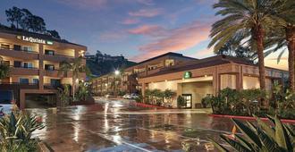 圣地亚哥海洋世界动物园区拉金塔旅馆及套房酒店 - 圣地亚哥 - 建筑