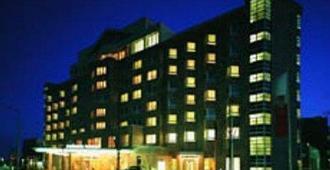 法兰克福瑞拉科萨酒店总店高级 - 法兰克福 - 建筑