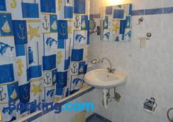 彩色酒店 - 瓦尔纳 - 浴室