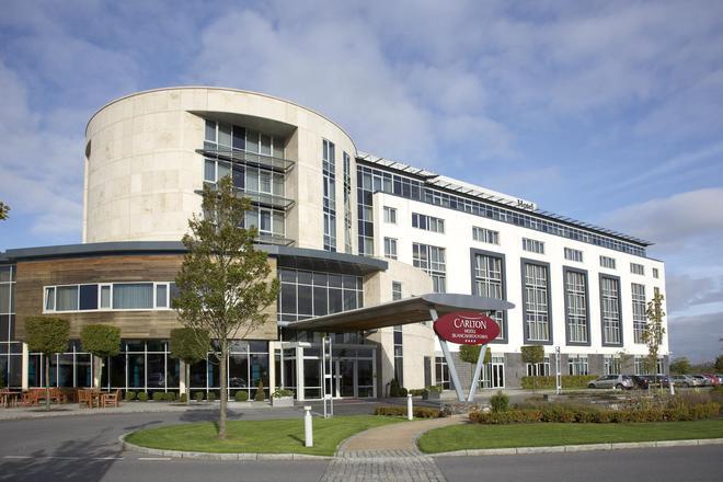 布兰查斯镇卡尔顿酒店 - 都柏林 - 建筑