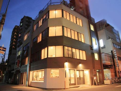 晴天娃娃旅馆 - 大阪 - 建筑