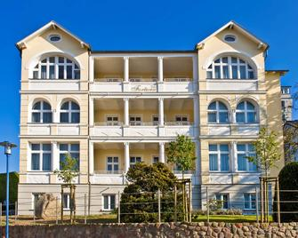 鲁根汉斯艾提科华丽酒店 - 格伦 - 建筑