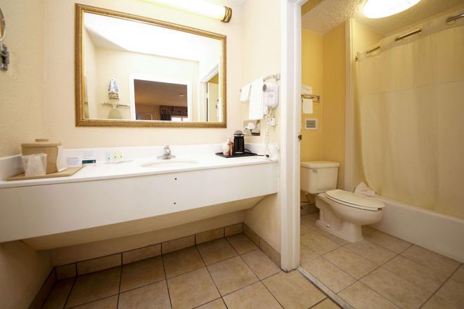 杰克逊维尔橙园凯艺酒店 - 杰克逊维尔 - 浴室