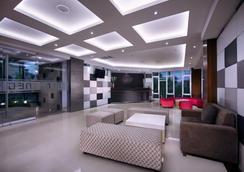 登巴萨neo酒店 - 登巴萨 - 大厅