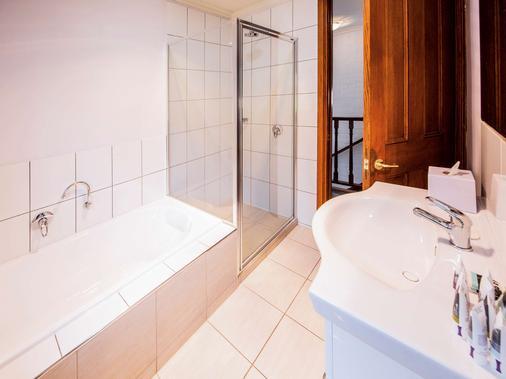 美居巴拉腊特酒店及会议中心 - 巴拉瑞特 - 浴室