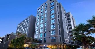 曼谷素坤逸12广场科母帕斯酒店 - 曼谷 - 建筑