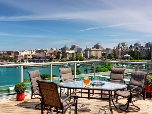贝斯特韦斯特及内港酒店 - 维多利亚 - 阳台