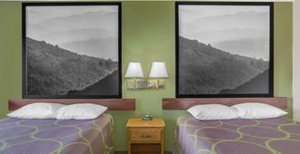 速8克里斯蒂安/布莱克斯堡地区汽车旅馆 - 克里斯琴 - 睡房