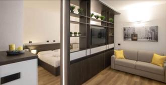玛多尼纳公寓酒店 - 米兰 - 客厅