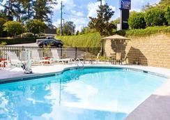 斯利普套房酒店 - 哥伦布 - 游泳池