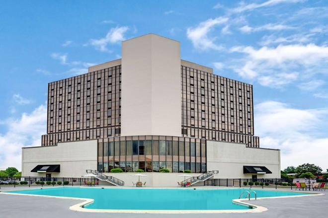 温德姆花园诺福克市中心酒店 - 诺福克 - 建筑