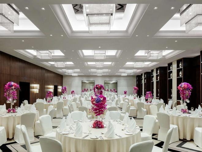 迪拜德伊勒市中心铂尔曼酒店 - 迪拜 - 宴会厅