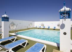 兰斯洛特酒店 - 阿雷西费 - 游泳池