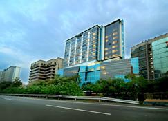 雅加达达法姆特拉斯奇酒店 - 东雅加达 - 建筑