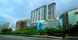 雅加达特拉斯奇塔酒店 - 达法姆管理 - 东雅加达 - 建筑